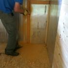 Flexou bylo třeba vyříznout otvory do původních izolačních PUR panelů