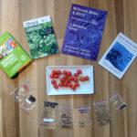 Literatura, semena a divoká rajčata | přírodní zahrada Evy Hauserové, Praha